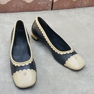 CHANEL Logo Cap toe Leather shoes